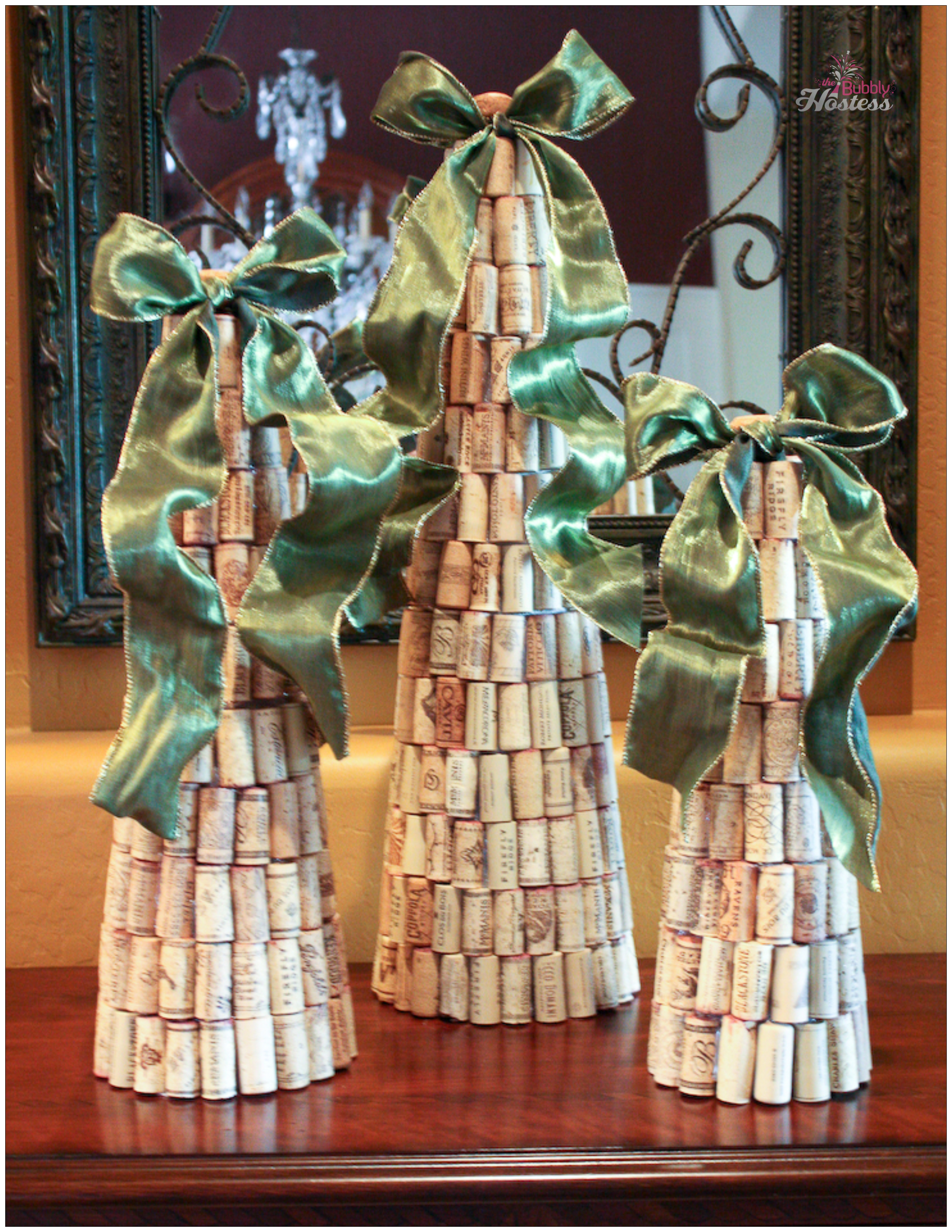 Wine Cork Christmas Tree.Diy Wine Cork Christmas Trees Topped With Ribbon The
