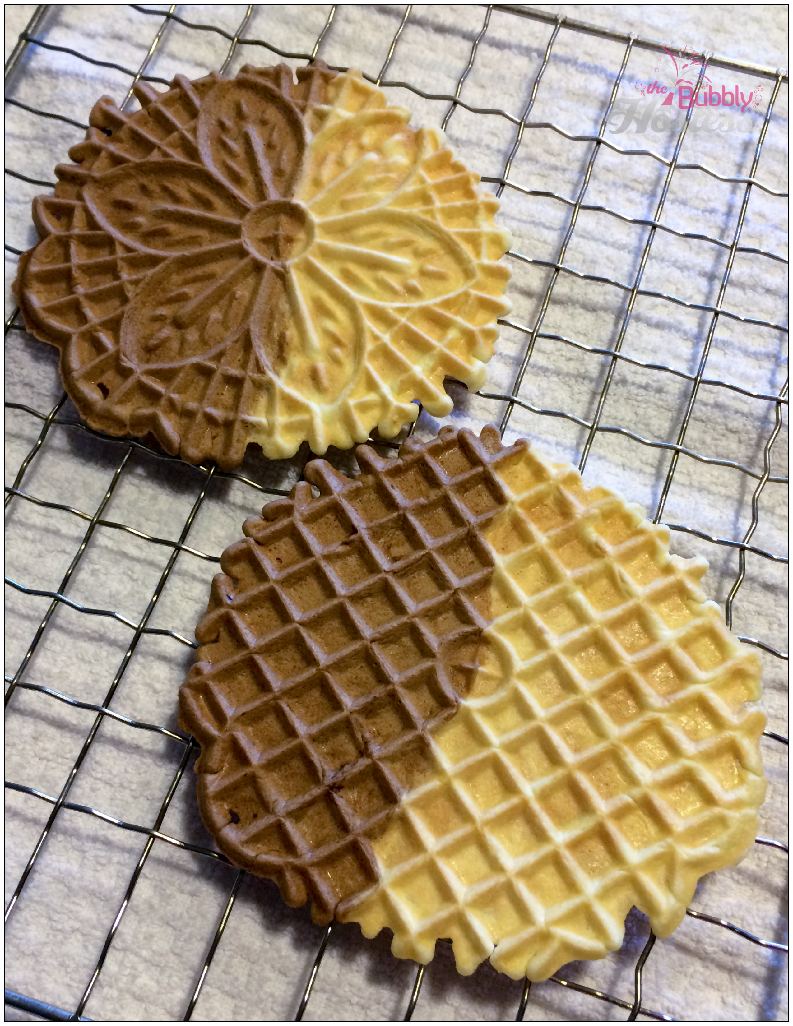 Chocolate Vanilla Pizzelles – Half and Half | The Bubbly Hostess