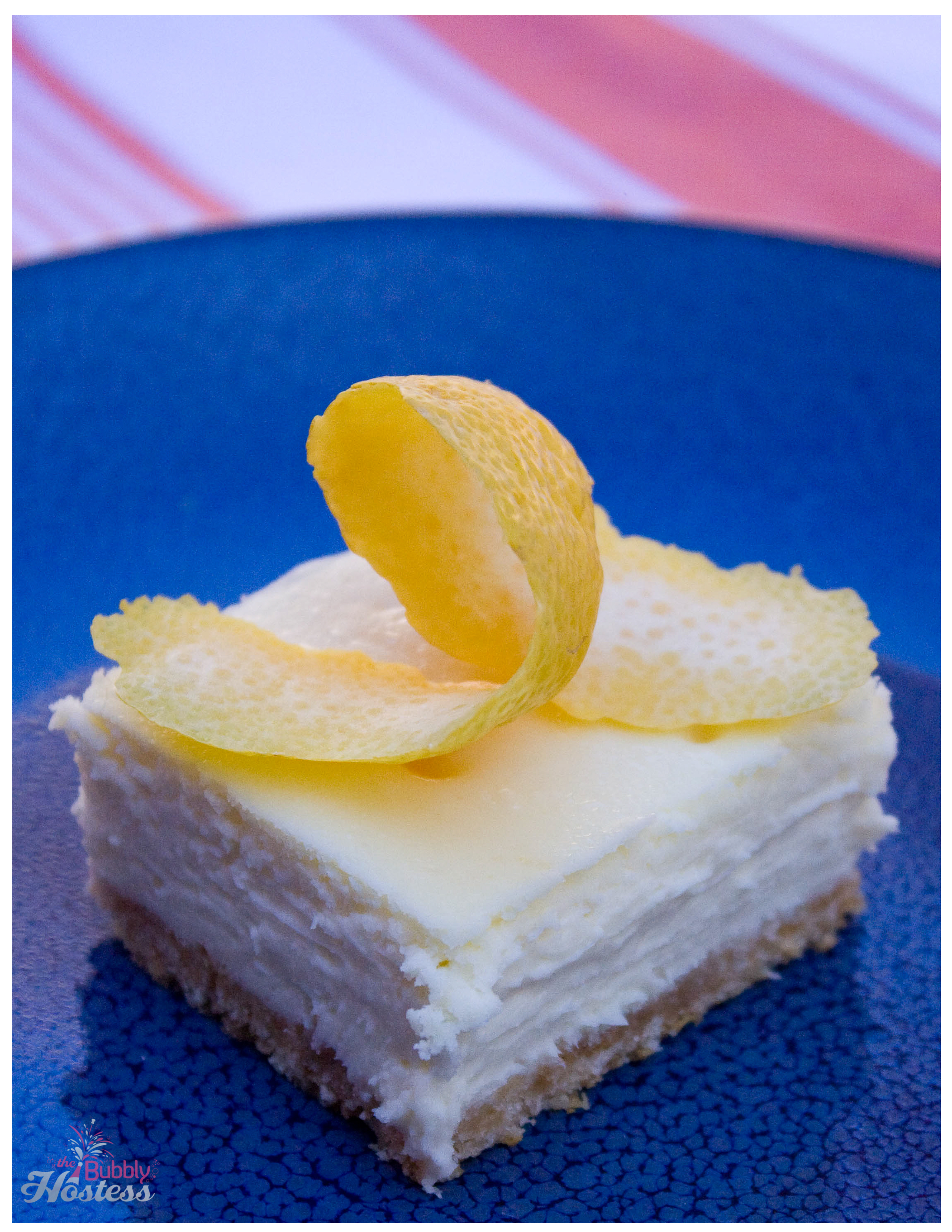 Lemon Cheesecake Bars | The Bubbly Hostess